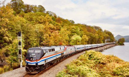 走吧,踏上列车一起去赏秋色!